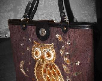 1960's Vintage Owl Purse with Wood Bottom