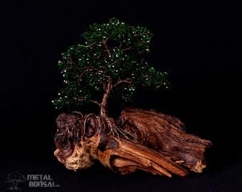 Large Dark Green Faceted Crystal Wire Tree Sculpture On Driftwood Base