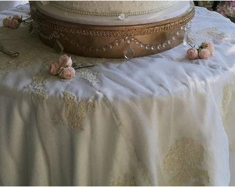 Wedding Cake Table Cloth