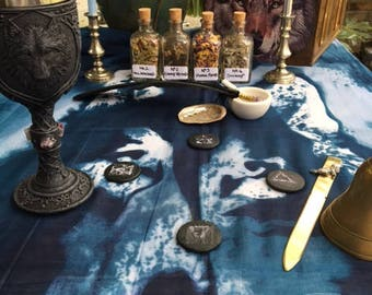 Wolf Wiccan Pagan Altar box