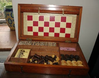 Antique Victorian games compendium , bone dice, steeplechase, chess, checkers/ draughts, backgammon, bezique wooden cased etc