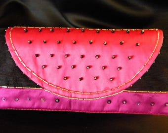 "Cover of night ""Grace Kelly"" fuchsia pink and black velvet and satin and embroidered pearls"