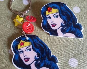 Wonder Woman Keyring or Brooch. Keychain DC Comics Superhero