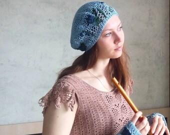 Crochet beret and mittens