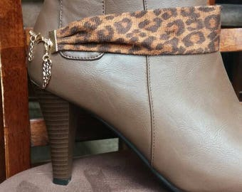 Brown Leopard boot bracelet