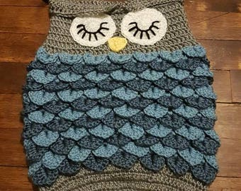 Blue grey baby owl slepping cocoon set