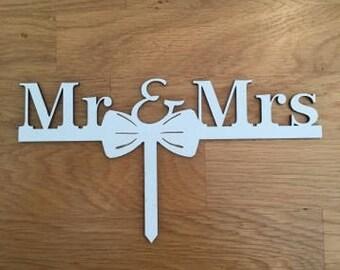 Wooden Mr & Mrs- Cake Topper