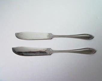 2 Vintage silver plated butter knifes (#EV86)