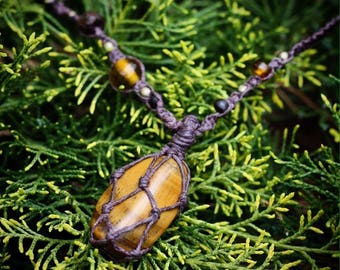 Tiger's Eye Macrame Necklace/ Tiger's Eye netted pendant/ Gemstone Necklace