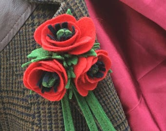 Lovely Poppy Brooch. Made from 1940's pattern.