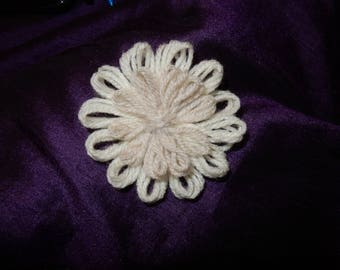 Beige and White Wool Flowers Pack of 5