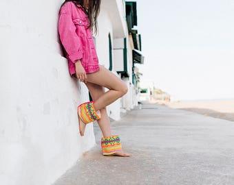 Boho Sandals, Barefoot Sandals, Cubre Sandalias Boho - Multicolored Neon Fabric