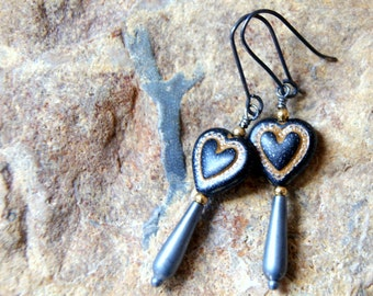 Black Heart Earrings - Bleeding Heart Earrings - vintage black and gold Lucite heart  earrings - heart earrings