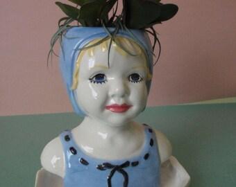 Bonnet girl