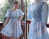 """Candy STRIPES 1970's 80's Vintage Light Blue + White Striped Dress w/ Puffed Sleeves + Belt // by Bee DARLING // size Small W 26"""""""