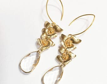 Gold plated double layer flower with clear glass teardrop  earring