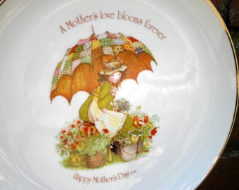 Vintage Holly Hobbie Porcelain Mother's Day Gift - Commemorative Edition Art Plate - A Mother's Love Decorative Wall Hanging - Made in Japan