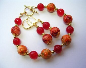 Orange and Pink Jade Bracelet in Gold Toggle Clasp Leverback Hooks