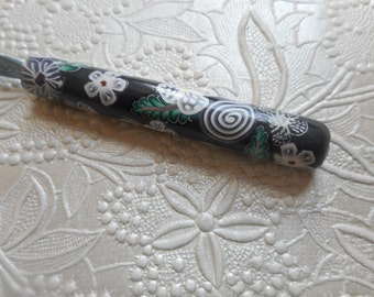 Polymer Clay Floral Covered Crochet Hook, Boye F