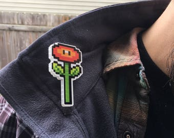 8 bit Flower pin