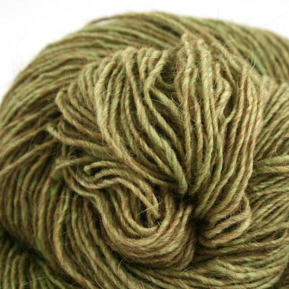 Beacon fingering weight cormo alpaca angora blend yarn 250yds/229m 2oz/57g Lichen