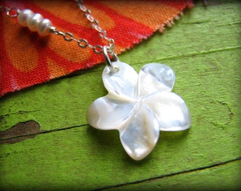 Small White Plumeria Flower Necklace Shell Aloha Hawaii Hula Summer Gift Birthday Wife Daughter Best Friend 30th 35th 40th 45th 50th 55th
