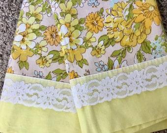 Sweet vintage floral curtains