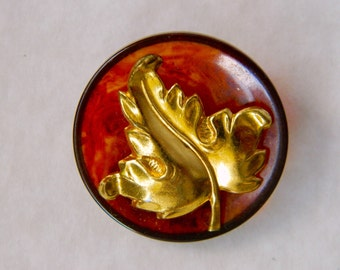 Vintage Tortoise Shell Bakelite Button with Leaf Embellishment