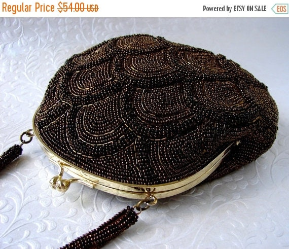 20% SALE Vintage Brown Beaded Purse Copper Bronze Carnival Glass Bead Handbag Scallop Pattern Gold Kiss Clasp Prom Formal Evening Clutch Coc