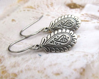 small silver dangle drop earrings Paisley bohemian boho jewelry