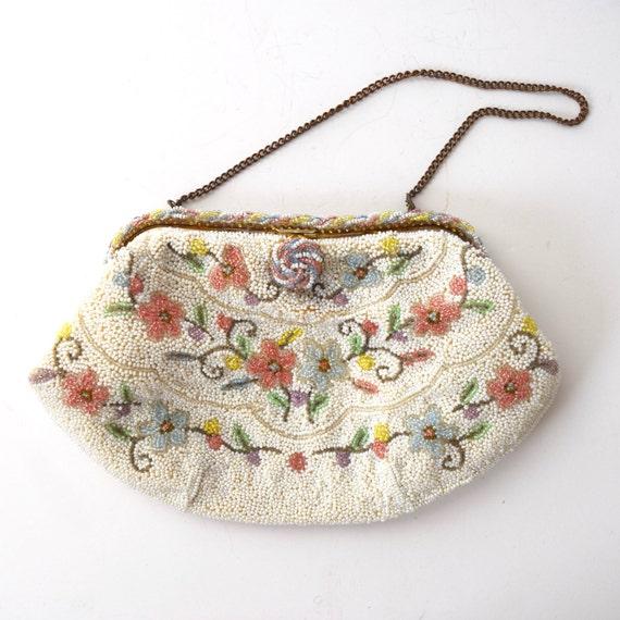 SUMMER SALE / 20% off Vintage 50s 60s Beaded Floral Handbag