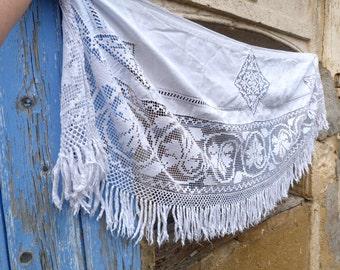 Vintage Antique 1900 French chateau Shabby chic white linen & filet lace pelmet /mantelpiece /curtain