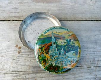 Vintage Antique 1900/1930 French Souvenir de Lourdes round tin box  /candy box
