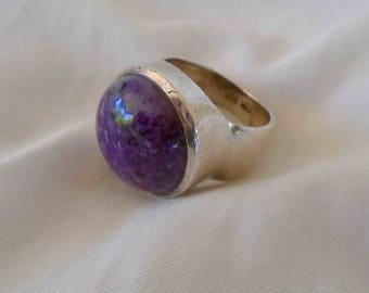 Vintage Eighties Sterling Silver Chunky Oversized Charoite Round Signed Dome Ring / Size 8-9 / Purple Stone