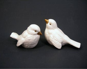 White Goebel Sparrows Figurines - West Germany - CV72 & CV74 - Pair of Birds - Vintage 1970s Home Decor - Christmas - Wildlife Figurals
