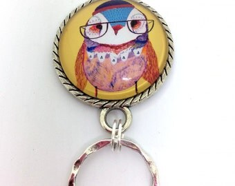 Magnetic Eyeglass Holder -  Lady Owl with Glasses -Yellow Photoglass Cabochon