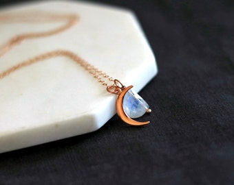 Moonstone necklace, Rainbow Moonstone, Labradorite, Lapis Lazuli  Rosegold moon crescent Vitrine Designs