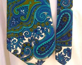 "Vintage paisley necktie / 60s 70s psychedelic tie / super wide, 5.5"" / Towncraft"
