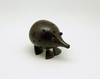 Vintage Wood Armadillo Toothpick Holder Hors doeuvres Cocktail Party MCM