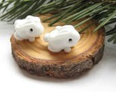 2 bunnies matched earring pair artisan lampwork glass beads white etched animals woodland rabbit
