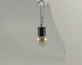 Industrial Oxidized Sterling and Pearl Earring - E1562