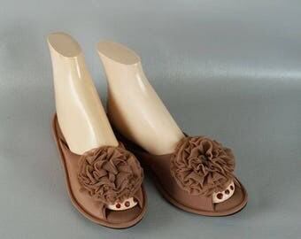 Vintage 1960s - 1970s Vanity Fair Coffee Slippers NOS Sz M