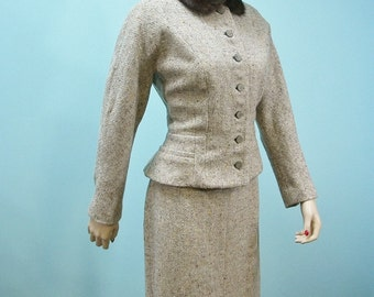 Deadstock 50s Suit . Vintage 1950s Tweed Skirt Suit with Mink Fur Collar . New Old Stock .  L XL