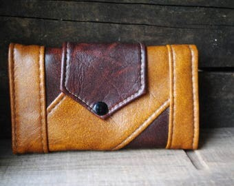 Boho vintage 70s, patched, two colors ( dark brown, mustard), patent leather wallet, organizer. Mint condition.