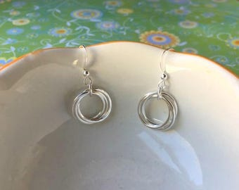 THREE SISTER Earrings With POEM - Sterling Silver Inseparable Rings for 3 Sisters Jewelry Trinity Gift for Three Sisters