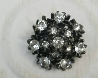 Vintage Button - 1  flower design rhinestone embellished,  dark antique silver finish metal (feb6317)