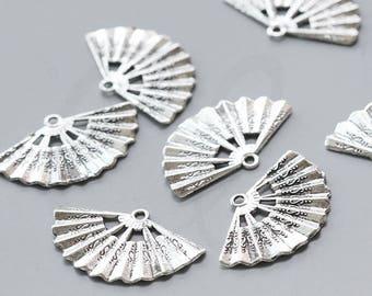 10 Pieces Oxidized Silver Tone Base Metal Charms - Fan 33.5x20.6mm (2585X-L-173)