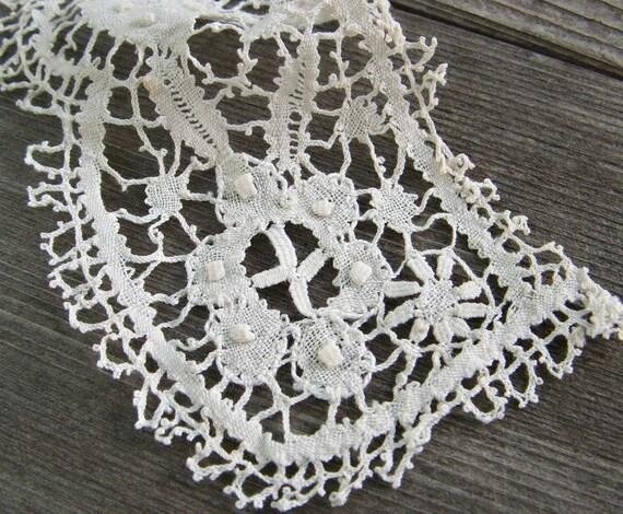bobbin lace detail
