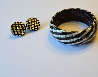 80s checkboard inlay shell bracelet and earring set. Stripes and checks.  Disk Earrings. Bangle bracelet. Mother of pearl