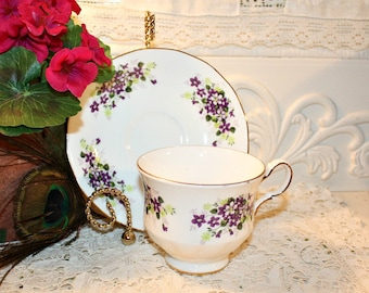 Soy Wax Tea Cup Candle,Vintage Queen Anne,Violets,,Weddings,Bridal Shower,Tea Party,Gifts,Collectible,Homemade Hand Poured,YOUR SCENT CHOICE